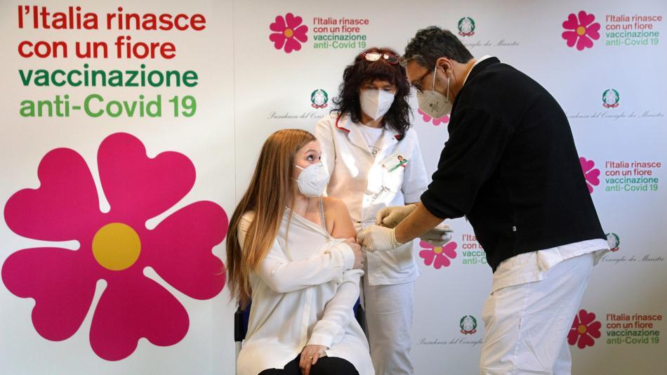 Vaccino covid a Bologna